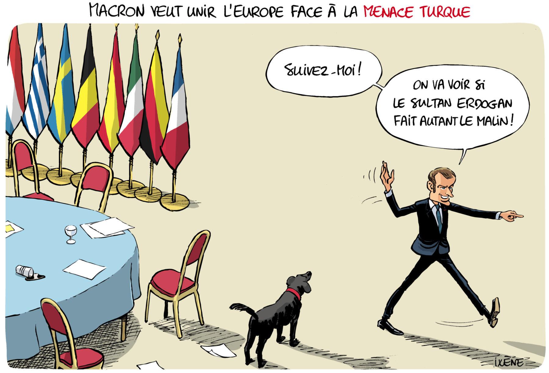 Emmanuel Macron en train d'encourager les dirigeants européens à le suivre dans la lutte contre la Turquie d'Erdogan. Sauf que la table est vide et le président français est seul