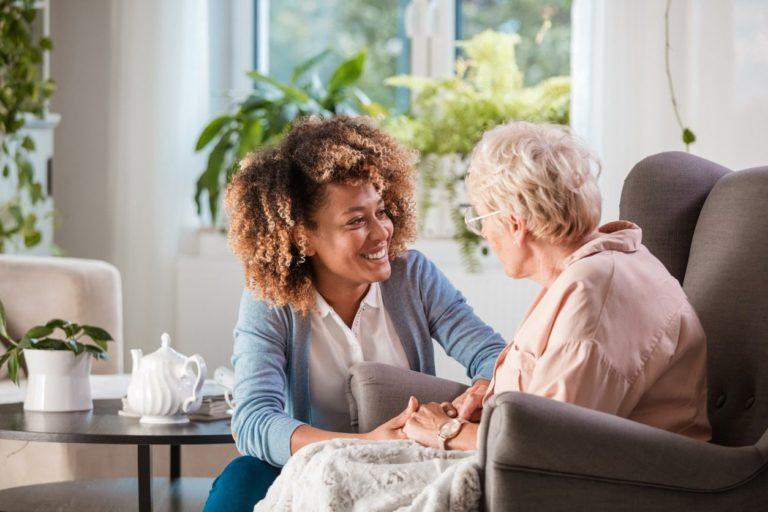 Aide aux personnes âgées - Image d'illustration