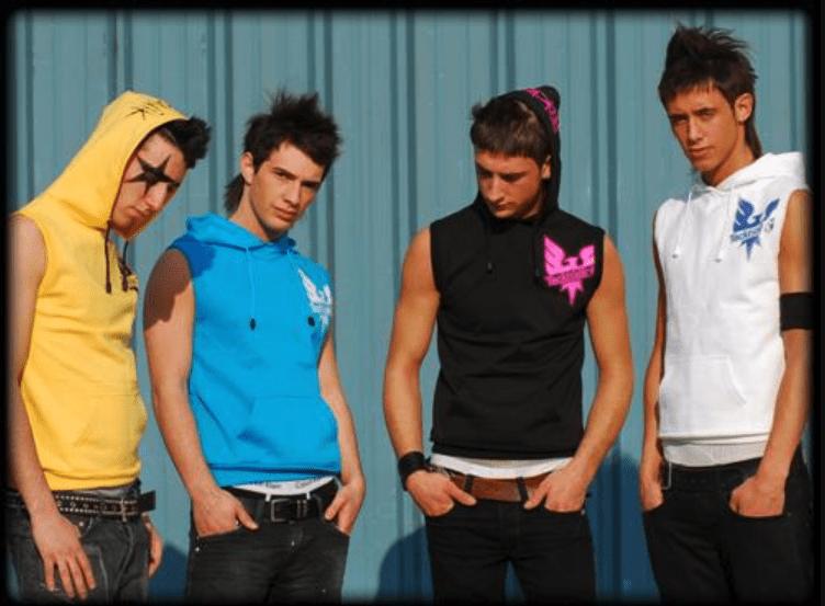 Des danseurs tecktonik en 2006