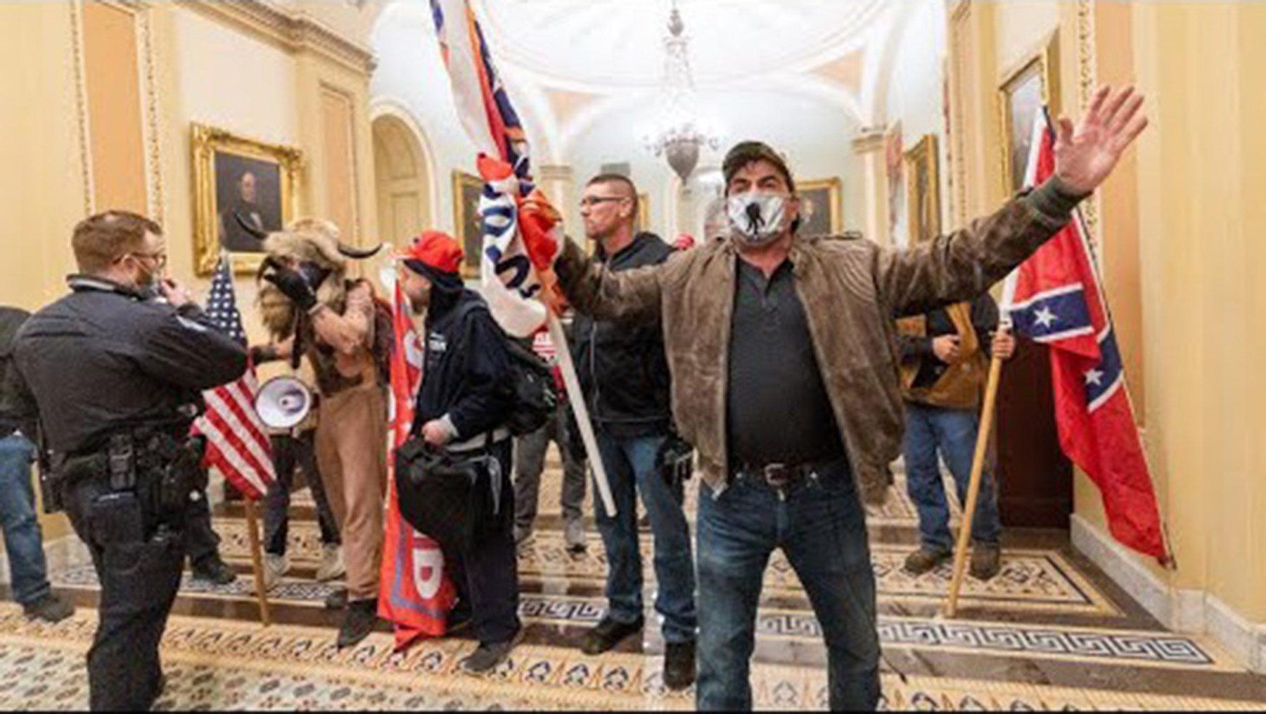 L'occupation du Capitole, le 6 janvier 2021 par des militants pro-Trump