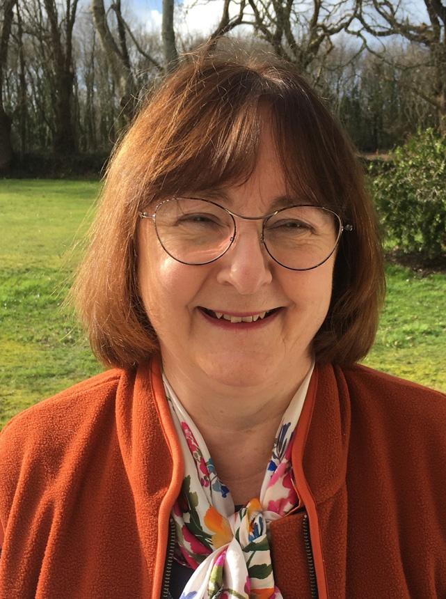 Katie Badie est directrice éditoriale de l'Alliance biblique française et des éditions Bibli'O